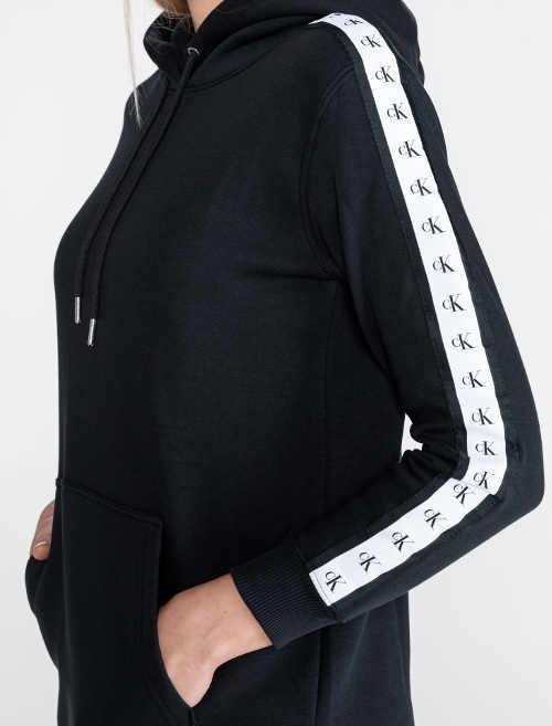 Mikinové šaty Calvin Klein s klokaní kapsou