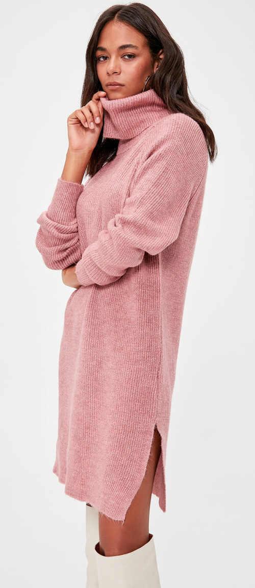 Pletené zimní šaty s rolákem