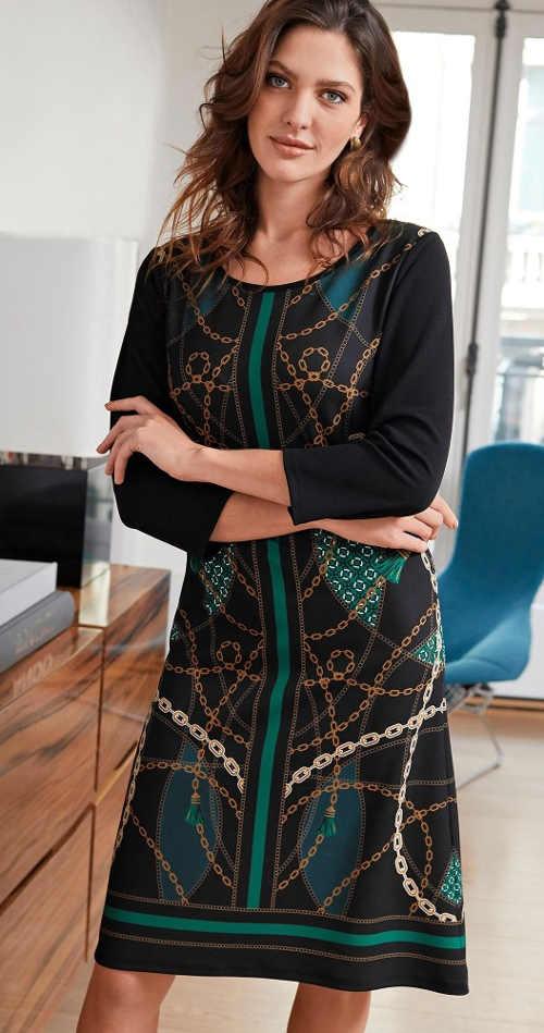 Pohodlné glamour šaty s potiskem a tříčtvrtečními rukávy