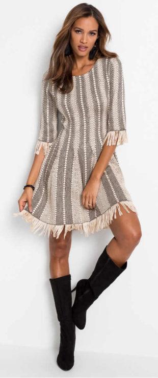 Zimní pletené dámské šaty s třásněmi