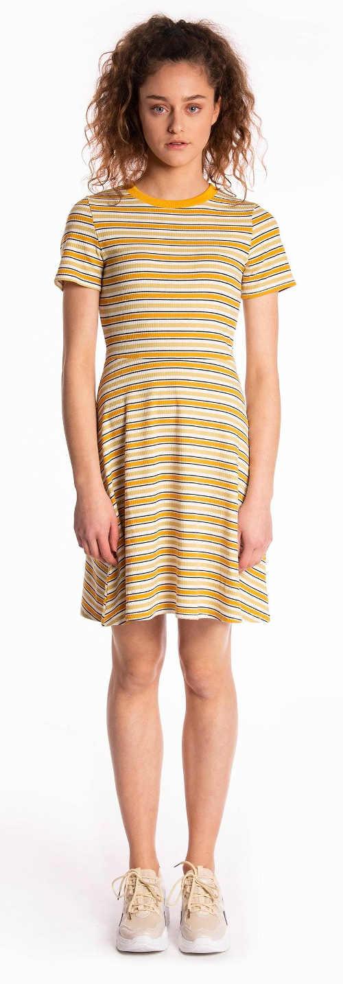 Žluto-oranžové pruhované tričkové šaty skater