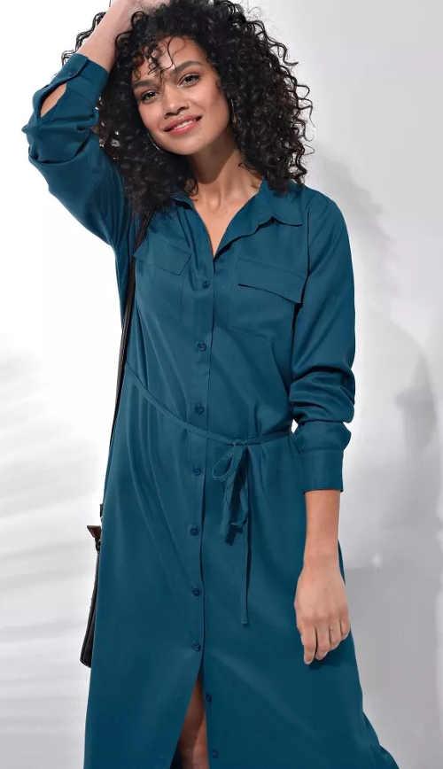 Dlouhé modré košilové šaty s páskem