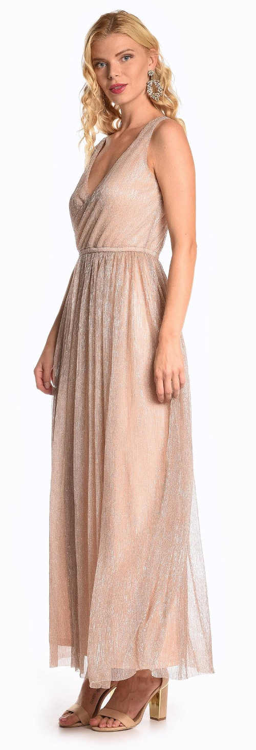 Růžové večerní šaty zavinovacího střihu