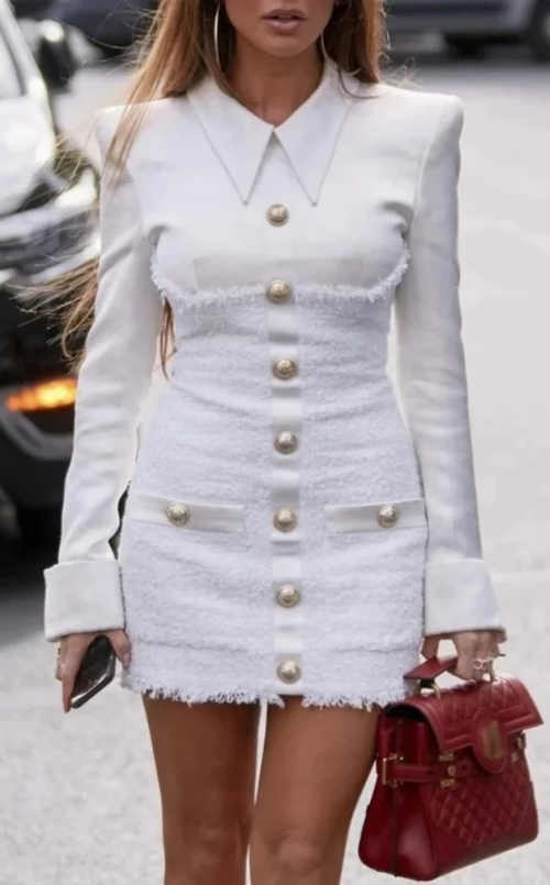 Bílé smyslné mini šaty s límečkem