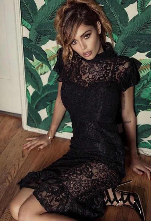 Černé krajkové společenské šaty Inia