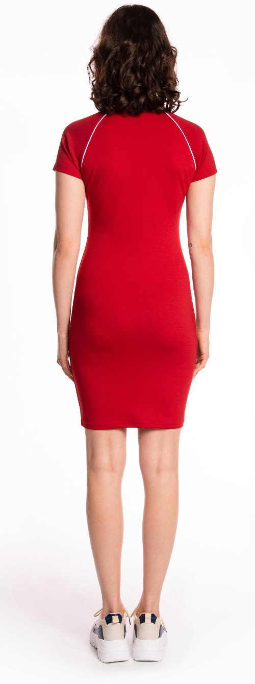 Červené letní sportovní šaty