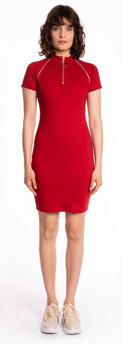 Červené pouzdrové šaty se zipem ve výstřihu