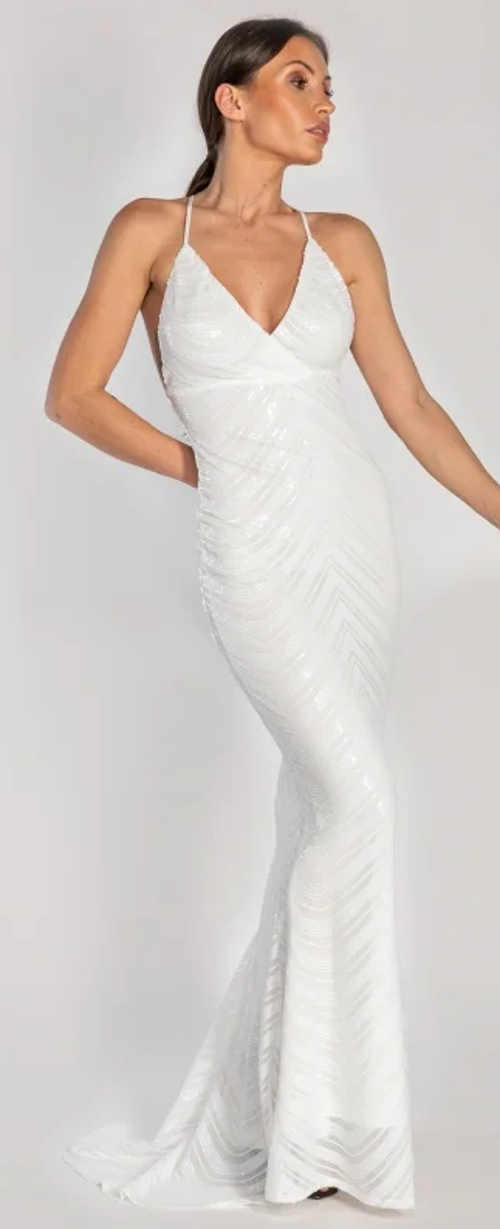 Bílé společenské šaty s vlečkou