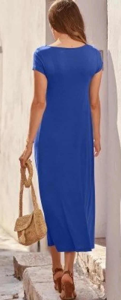 Dlouhé modré dámské šaty na léto