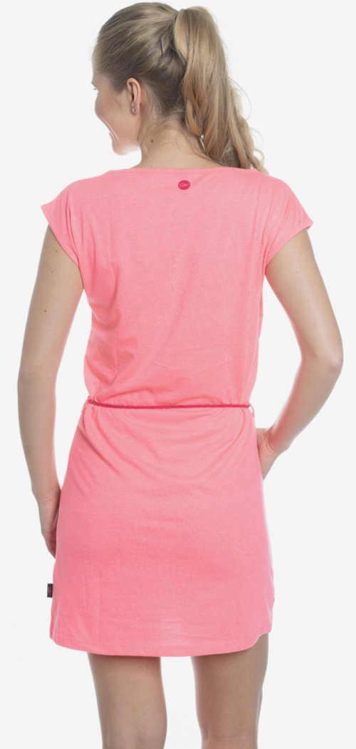 Světle růžové jednoduché letní šaty