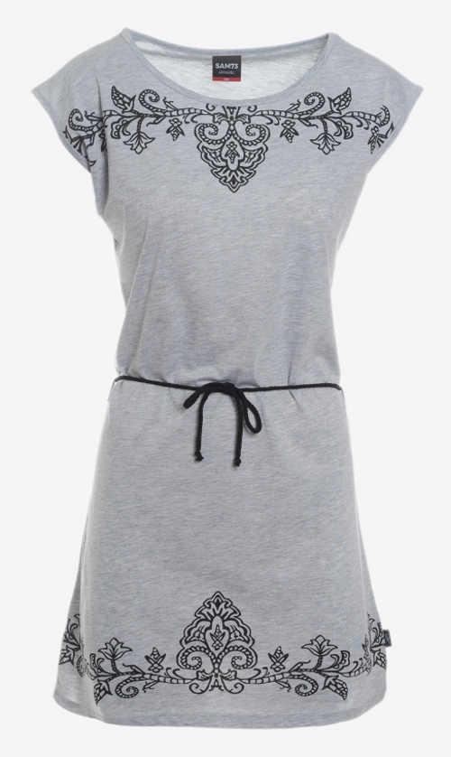 Tričkové letní šaty s výraznou výšivkou