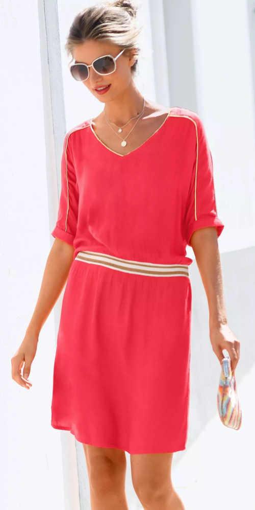 Červené letní šaty s délkou nad kolena