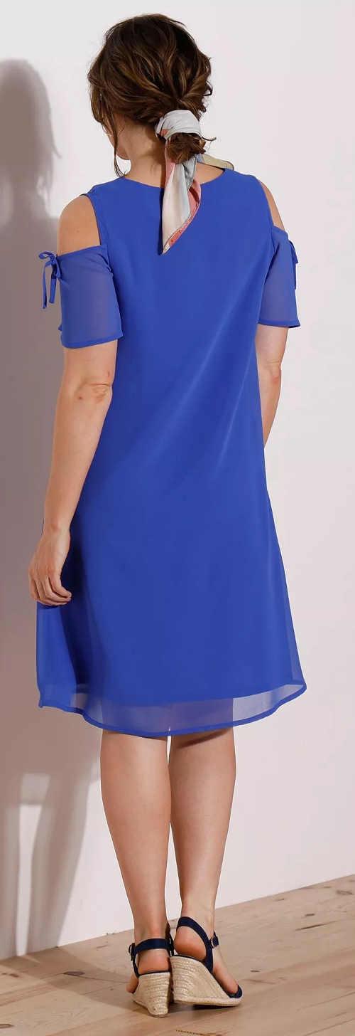 Modré společenské šaty s průstřihy na ramenou