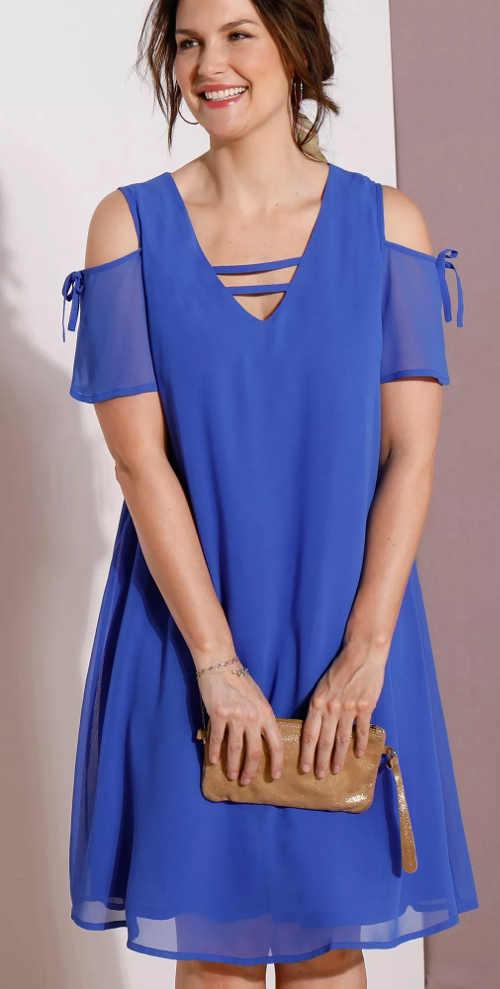 Volné modré letní šaty s odhalenými rameny