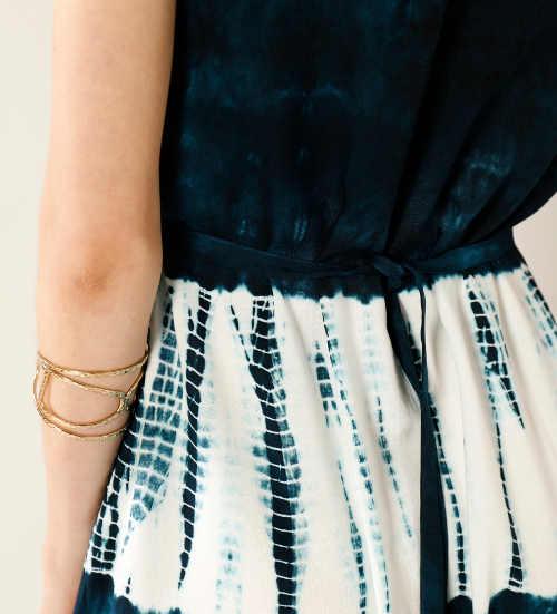 batikované maxi šaty na léto