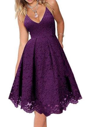Elegantní šaty pro formální příležitost v působivé fialové barvě