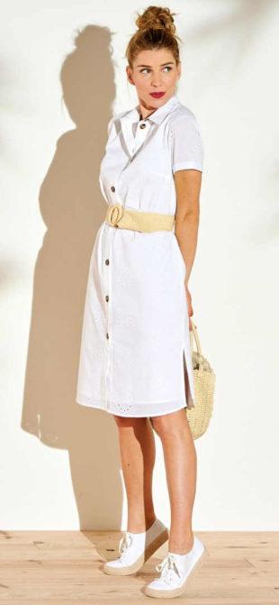 Stylové šaty košilového střihu s anglickou výšivkou