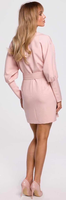 Elegantní krátké růžové šaty s dlouhými rukávy