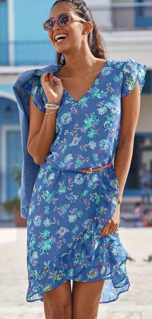 Krásné modré letní šaty s květinovým vzorem