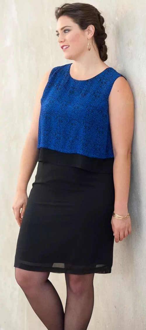 Modro-černé společenské šaty pro plnoštíhlé