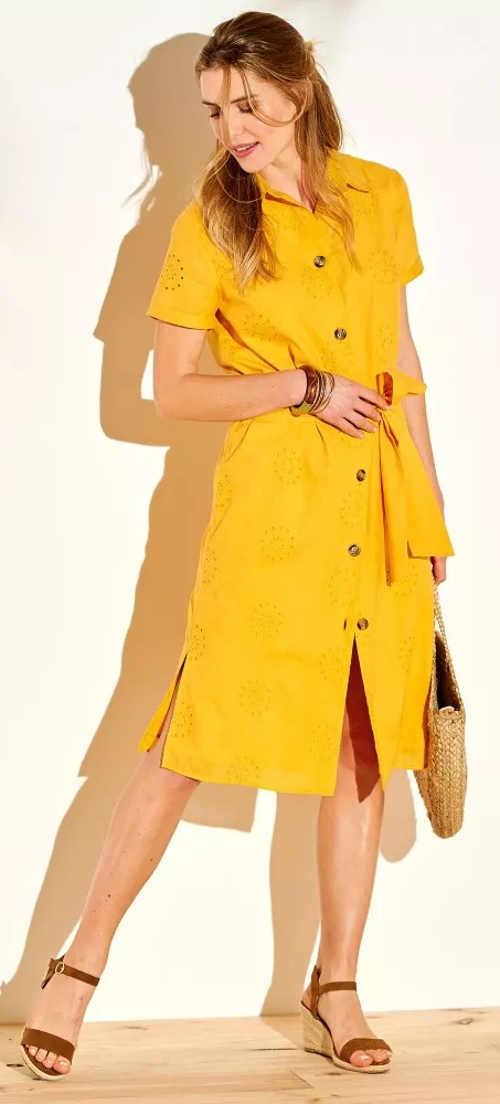 Propínací šafránové dámské šaty s krátkým rukávem