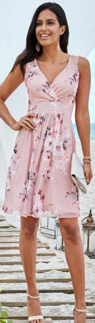 Růžové letní šaty pro družičku