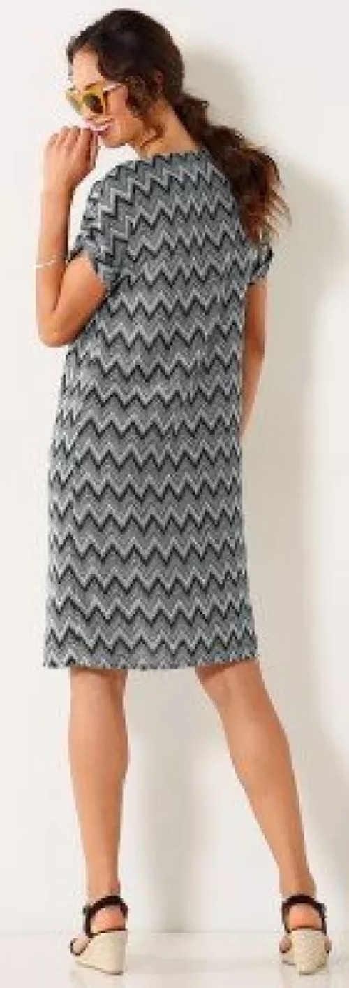 Šedé dámské šaty s délkou ke kolenům