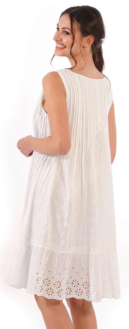 Vzdušné bílé plážové šaty s děrovanou výšivkou