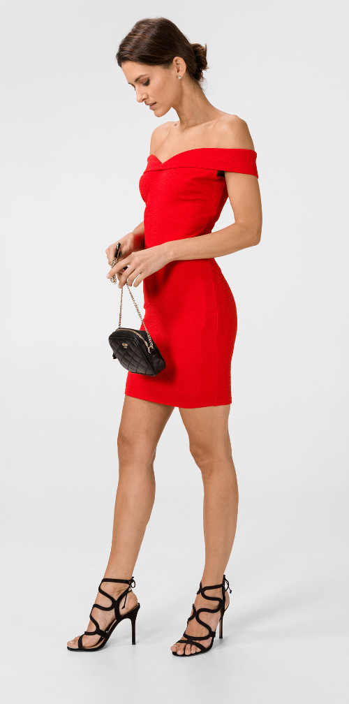 Červené sexy šaty s odhalenými rameny