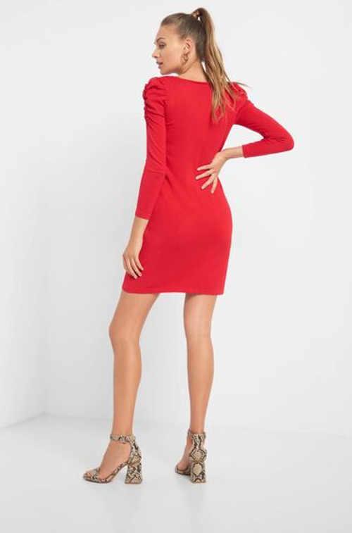 Elegantní mini šaty s dlouhým rukávem a řasením