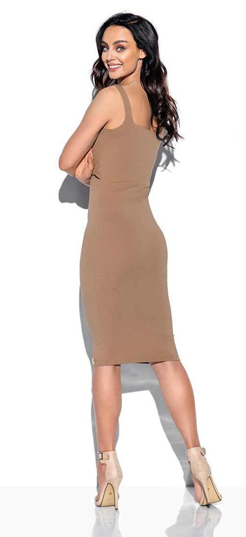 Moderní dámské šaty v impozantním provedení