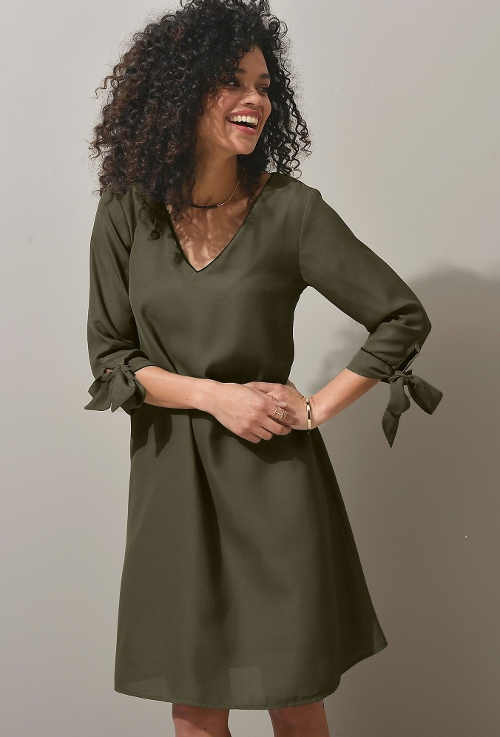 Moderní šaty v pohodlném střihu a příjemného materiálu