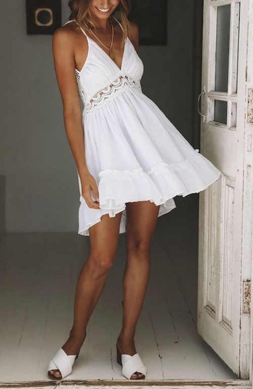 Působivé šaty s krajkou skýtající komfort