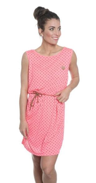 Růžové letní šaty v pohodlném střihu a s moderními puntíky