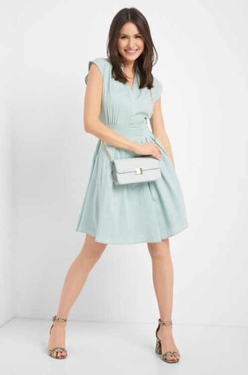 Šaty s áčkovou sukní košilového typu