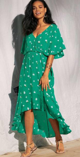 Vzdušné dámské šaty s asymetrickým volánovým lemem