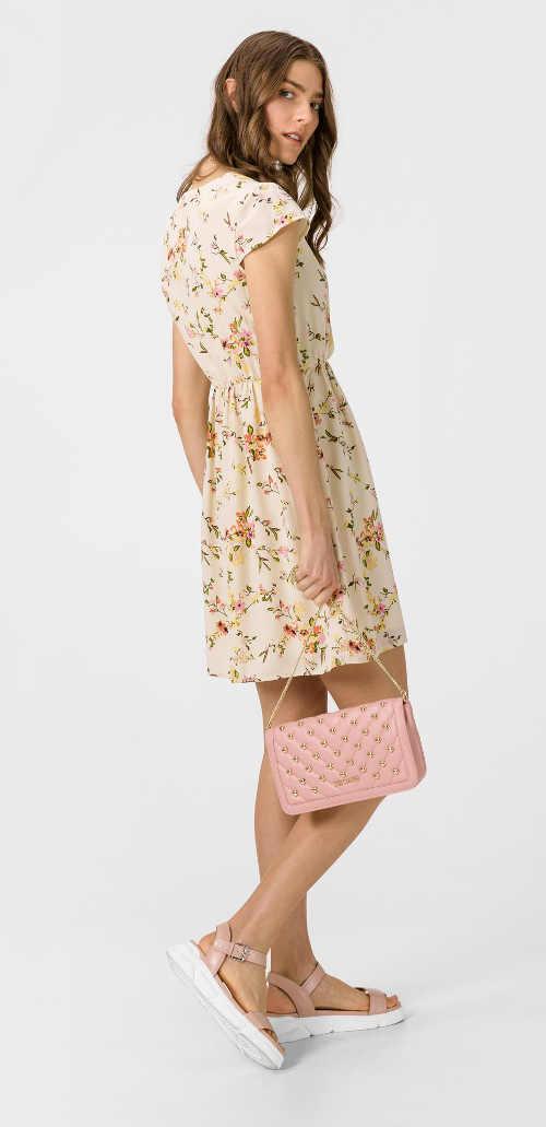 Vzdušné šaty s květinovým vzorem