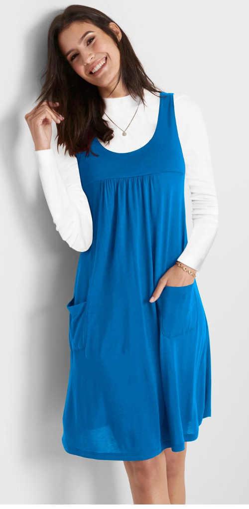 Modré dámské trikové šaty s kapsami v pohodlném střihu