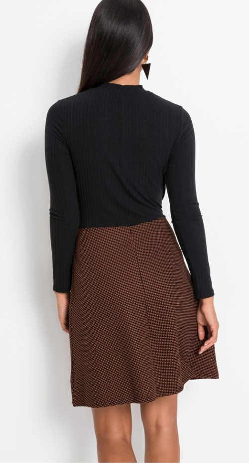 interesantní model šatů v délce nad kolena