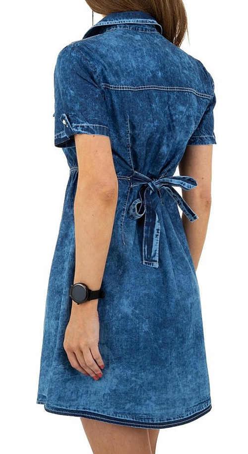 moderní jeansové šaty s krátkým rukávem