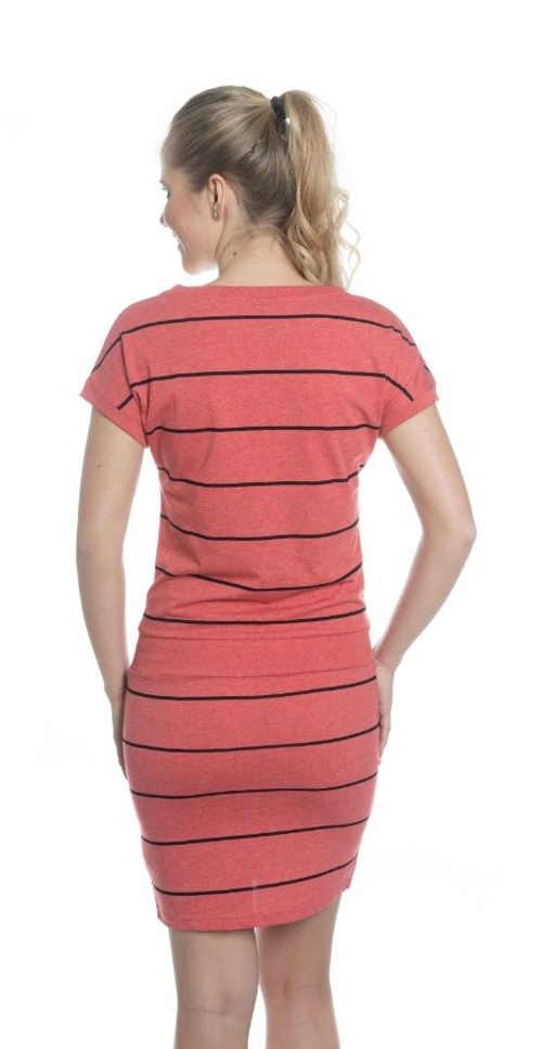 šaty v lichotivém střihu na letní sezónu