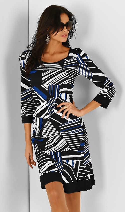stylové šaty v příjemném střihu a délce