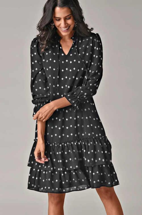 Voálové moderní šaty s potiskem a dlouhým rukávem