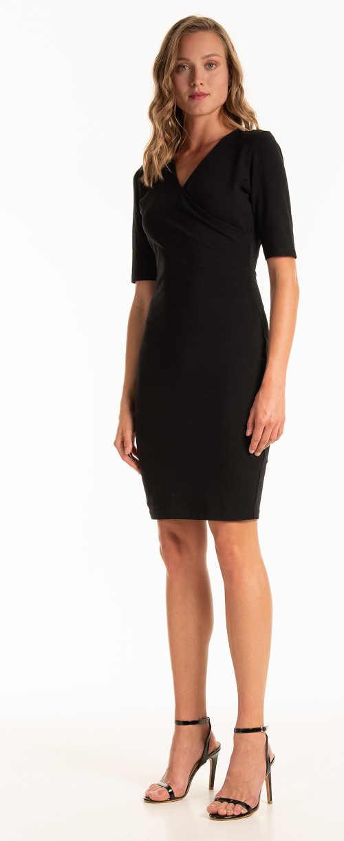 dámské šaty v projmutém střihu s krátkým rukávem
