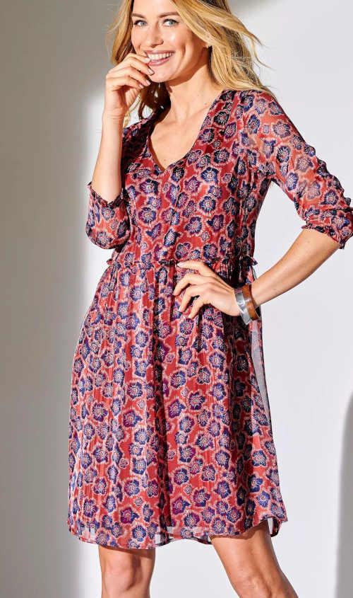 moderní dámské šaty volného střihu