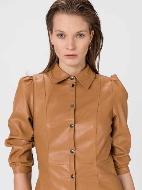 moderní krátké šaty na knoflíky