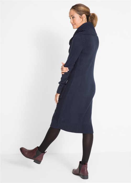 pletené šaty s rolákem u krku a kapsami