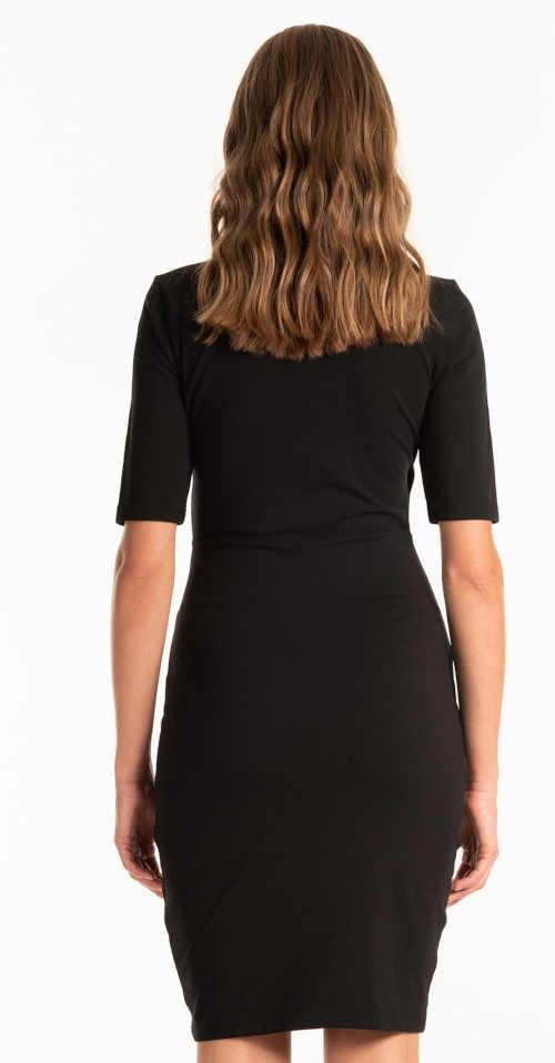 šaty lichotící postavě s přestřižením v pase