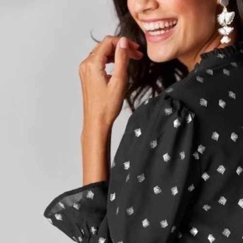 stylové šaty s dlouhým rukávem a volány