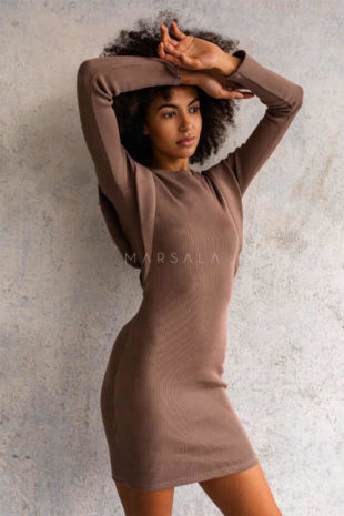 Moderní dámské šaty s příměsí elastanu v hnědém provedení